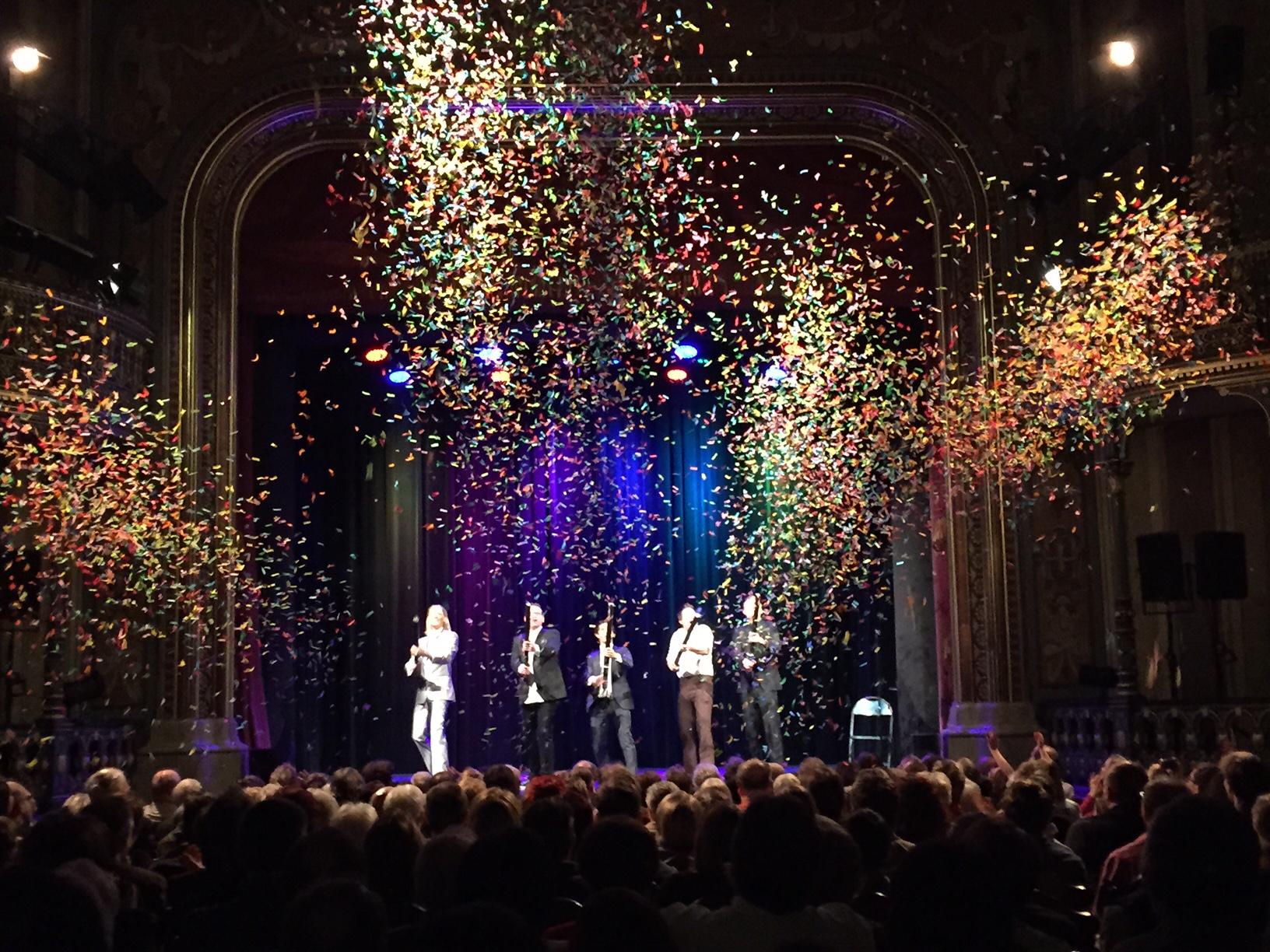 Alexander Merk präsentiert die besten Zauberer im Parktheater Göggingen in Augsburg
